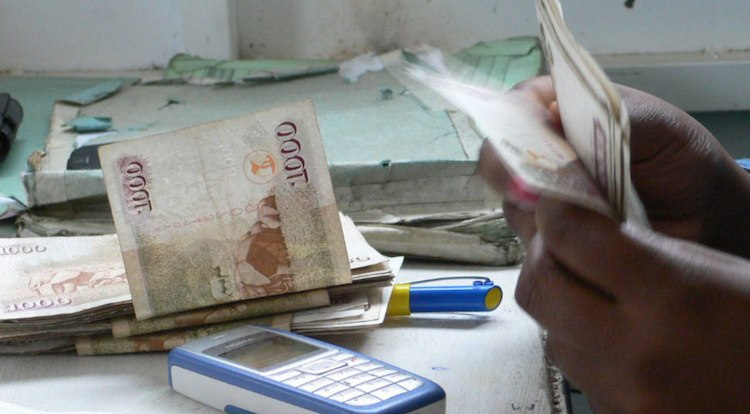 Kenianen betalen rekening restaurant per SMS